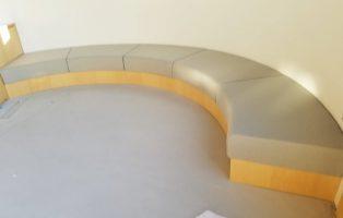 Rベンチ・手洗い・収納付ベンチの画像2