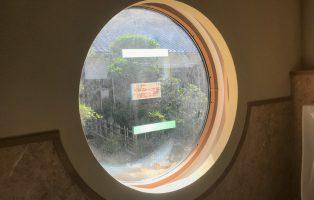 丸窓の画像1